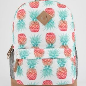 NWOT-Pineapple Print backpack. Canvas-384